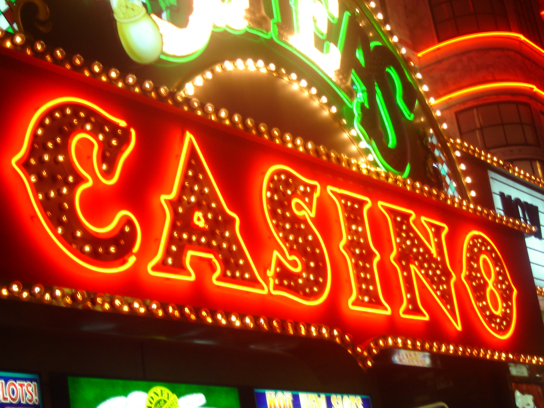 Достигнуть совершеннолетнего возраста введением действие запрета азартные игры многие заведения